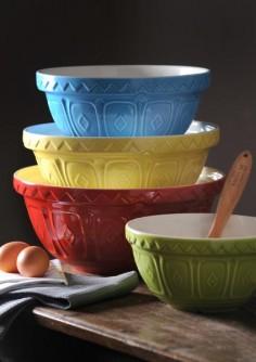 Mixing bowls/Bakeware