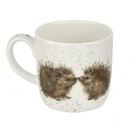 WRENDALE DESIGNS MUGS WRENDALE PRICKLED TINK HEDGEHOG 2 HEDGEHOGS MUG HANNAH DALE MUGS ROYAL WORCESTER CHINA HEART OF THE HOME LYTHAM POTDOLLY MMOV5629-XS_V1